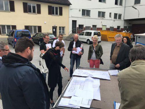 Bauverhandlungen vor Ort (Archivbild aus Bludenz) bieten die höchste Rechtssicherheit. Es gibt aber auch andere Möglichkeiten, Verfahren durchzuführen.SB