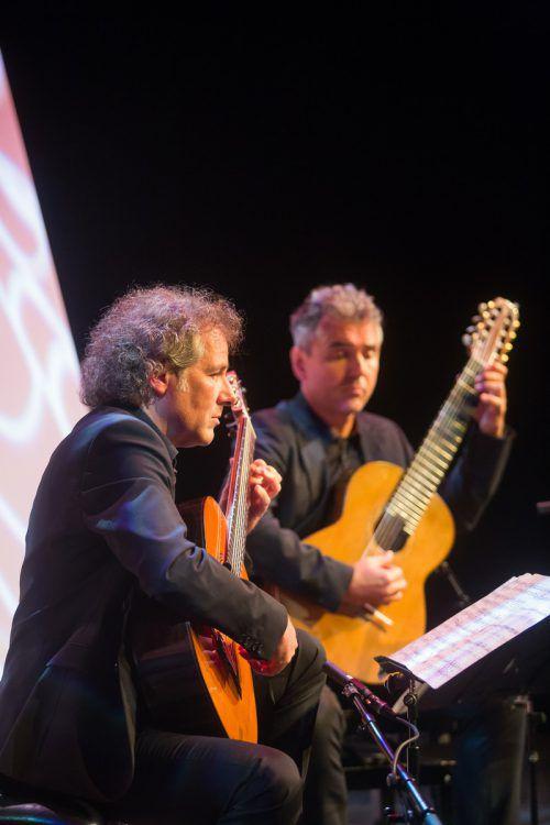 Bezaubernd und berührend: Gitarristen Alexander Swete und Martin Schwarz.