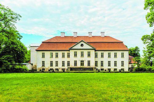 Der Gutshof Suuremõisa ist einer der am besten erhaltenen Höfe des Spätbarocks in Estland.