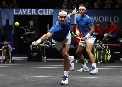 Die Tennis-Giganten Roger Federer und Rafael Nadal haben ihr erstes gemeinsames Doppel beim Laver Cup gewonnen. AP