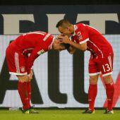 FC Bayern nach James-Gala auf Schalke an der Spitze