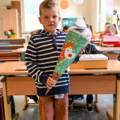 Schulbeginn bewegt Schüler und Eltern A5