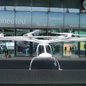 Autonews der WocheFliegen statt fahren mit dem Volocopter / Sparen beim Fahren mit dem Mercedes S 560e / Eindruck machen schon im Stand mit der Alfa Giulietta Sport