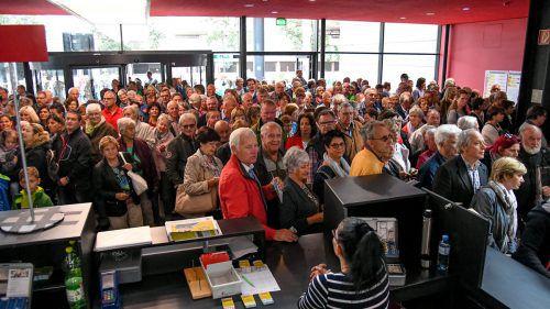 Großer Andrang vor dem Messeeingang herrschte am Donnerstag in der Früh gegen 10 Uhr. VN/Oliver Lerch