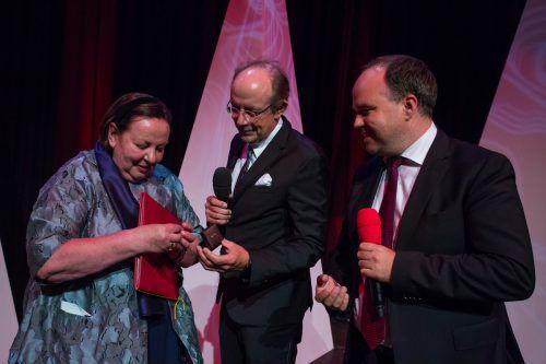 Höhepunkt: Eugen A. Russ und Gerold Riedmann übergeben den 48. Russ-Preis an Maria Müller.