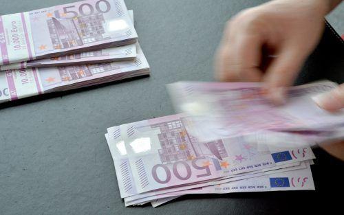 Im Jahr 2001 nahm die Republik 166 Millionen Euro aus der Erbschafts- und Schenkungssteuer ein.APA