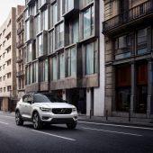 Autonews der WocheVW Scirocco vor möglichem Aus / Elektrischer Hummer H1 für den Terminator / Volvo zeigt erstmals Kompakt-SUV XC40