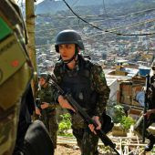 Brasilianisches Militär rückt in Armenviertel von Rio ein