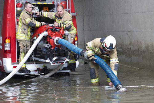 Starkregenniederschläge führten wie hier in Hohenems zu Überflutungen. Landesfeuerwehrverband