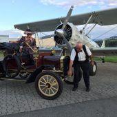 Historische Verkehrsschau beim Flughafen Altenrhein