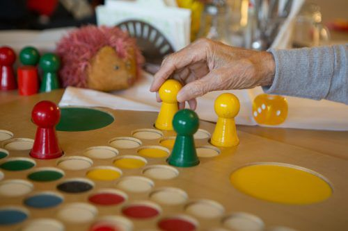 Pflege soll auch zu Hause finanziell entlastet werden. VN/Hartinger