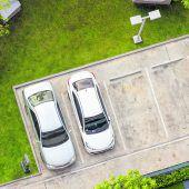 Garagen und Autoabstellplätze