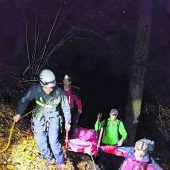 Tödlicher Absturz im steilen Wald