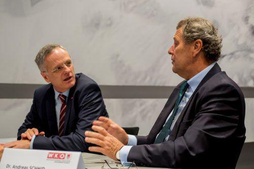 Die Wirtschaftsdelegierten Andreas Schmid, Barcelona, und Michael Spalek, Madrid, rechnen mit einer Einigung der Streitparteien.VN/Paulitsch