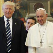 Trump überholt Papst auf Twitter