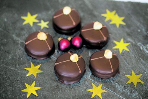 Etwas ganz Besonderes für die Weihnachtsbäckerei: Ischler Törtchen nach dem Rezept von Nicole Schneider-Schallert.Roland Paulitsch