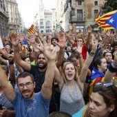 Streik und Massenproteste nach Polizeigewalt bei Katalonien-Referendum A2