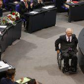 Wolfgang Schäuble (CDU) zum deutschen Bundestagspräsidenten gewählt A2