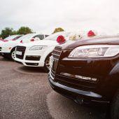 Hochzeitsgäste halten Polizisten auf Trab