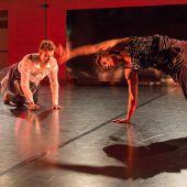 Ein Tanzstück über Körper, Zeit und Augenblicke