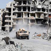 Noch bis zu 400 IS-Kämpfer in Rakka