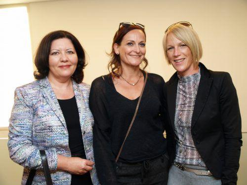 Irina Abramova (l.) sowie Dagmar Märk und Tanja Rüdisser.