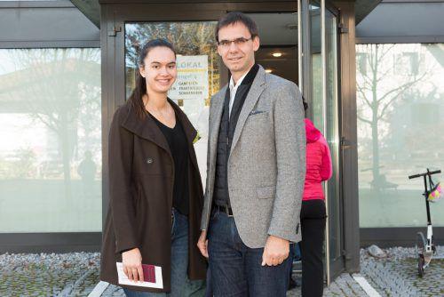 Landeshauptmann Markus Wallner marschierte gemeinsam mit seiner Tochter Raphaela in Frastanz zur Wahlurne.
