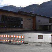 Pausenhof und Parkplätze bei Auer Schule saniert