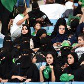 Frauen dürfen jetzt ins Stadion