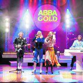 Einen Abend lang in die Glitzerwelt von ABBA abtauchen