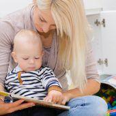Eltern beginnen zu spät, ihren Kindern vorzulesen
