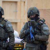 Cobra-Zugriff wegen Randalierer in Speditionsbüro