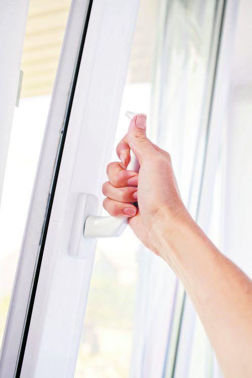 Das Fensterkippen ist eine teure Gewohnheit.foto: shutterstock