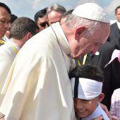Franziskus als erster Papst in Myanmar
