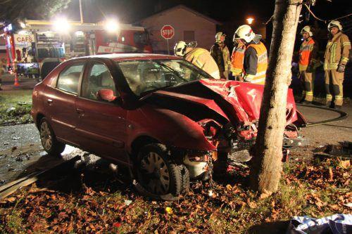 Der Pkw hatte nach dem Unfall nur noch Schrottwert, der Lenker wurde leicht verletzt. vol.at/Madlener
