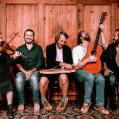 Neue alpenländische Musik mit Opas Diandl im Alten Kino