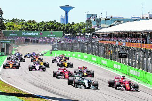 Ferrari-Ass Sebastian Vettel entwischte am Start Mercedes-Pole-Halter Valtteri Bottas – damit war der Grand Prix von Brasilien auch schon entschieden. gepa
