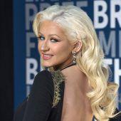 Aguilera singt für Houston