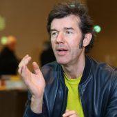 Stefan Sagmeister bei der Biennale. D6
