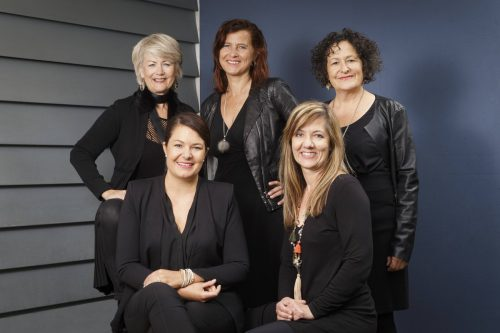 """Das Frauen-Vokalensemble """"Laguzzen"""", ein Außenseiter mit Kultcharakter in der Chorszene, tritt ebenfalls in Bludesch auf. M. dietrich"""