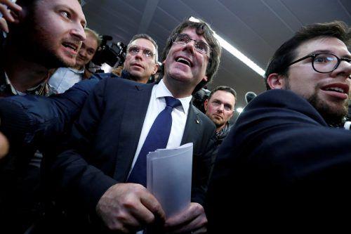 Kataloniens Ex-Präsident Carles Puigdemont will vorerst in Belgien bleiben. rts