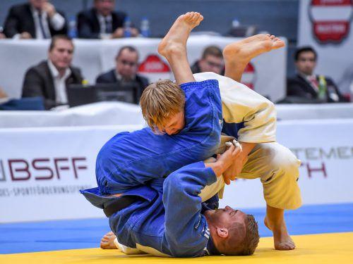 Judoka Laurin Böhler (blauer Kimono) feiert in Israel sein Debüt bei einer Männer-EM.gepa