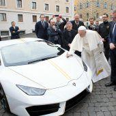 Papst Franziskus will geschenkten Lamborghini nicht