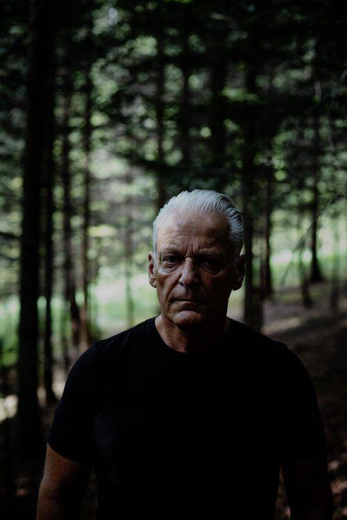 Streunen nennt es Harry Marte, wenn er im Wald spazieren geht, Ideen sammelt und Liedtexte erfindet. Lukas Gächter