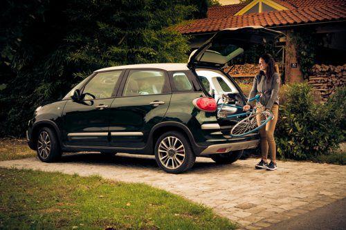 """Transportieren für Fortgeschrittene: Der Fiat 500L (hier in der Version """"Cross"""" mit mehr Bodenfreiheit) macht's möglich.VN/Steurer"""