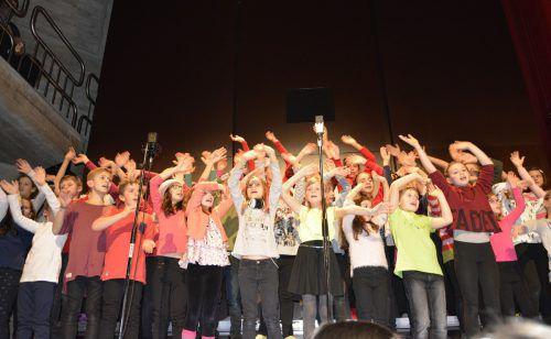 160 Personen machten beim Musical mit, so auch der Kinderchor. EH