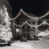 Einst und Jetzt. Weihnachtsbeleuchtung in Feldkirch