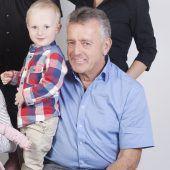 Ein glückliches Weihnachtsfest für Benedikt und seinen Opa Albuin