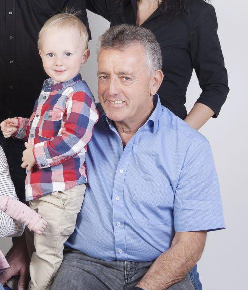 Albuin Ellensohn mit Benedikt: Der Großvater liebt seine Enkelkinder über alles. privat
