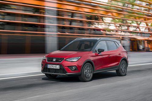 Als erste Marke im VW-Konzern startete Seat im Segment der subkompakten SUV. Der Arona basiert auf der Plattform des Ibiza. Er kann – vorerst – 95 oder 115PS haben, und er kostet ab 16.990 Euro.